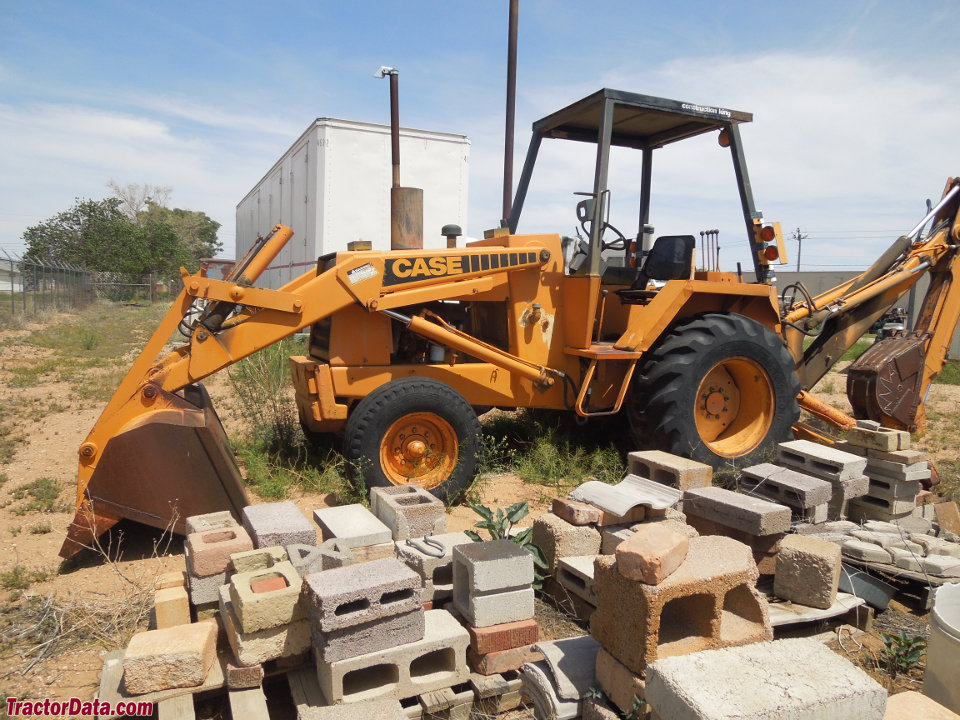 Late Case 580C Extendahoe backhoe