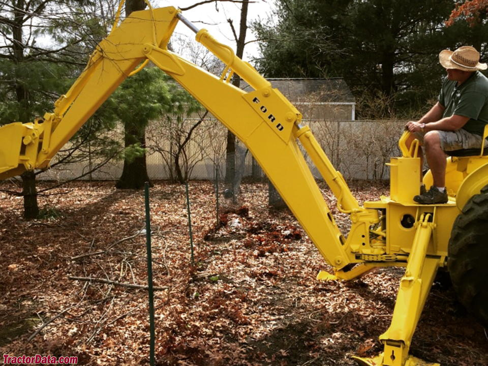 Ford 4500 Industrial Tractor Backhoe : Tractordata ford industrial tractor photos