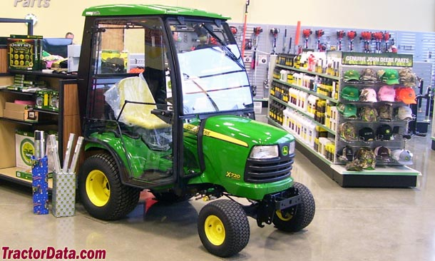 John Deere X720 with Cozy Cab built hard cab