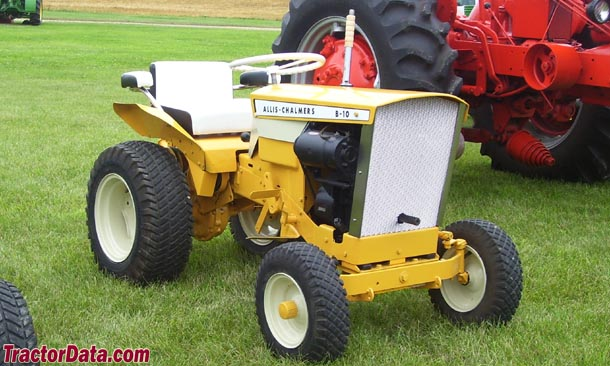 Allis-Chalmers B-10 right-front view