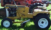 Allis Chalmers B-210 lawn tractor photo