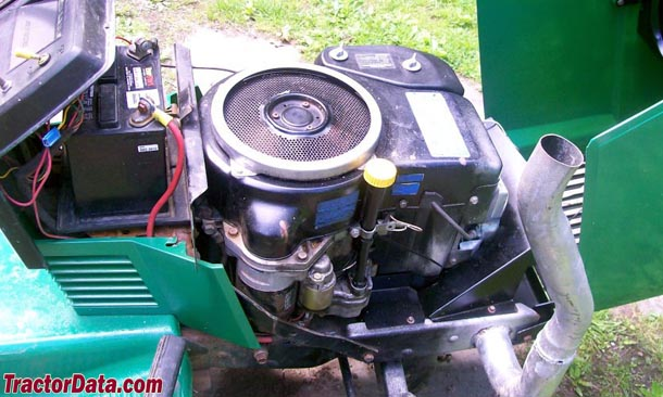 John Deere 180  engine photo