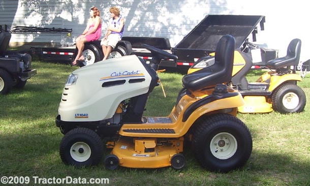 Td B on 1042 Cub Cadet Riding Mowers