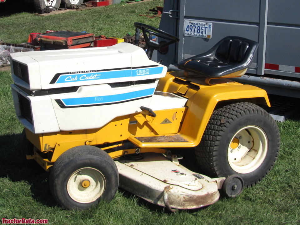 TractorData com Cub Cadet 1250 tractor photos information