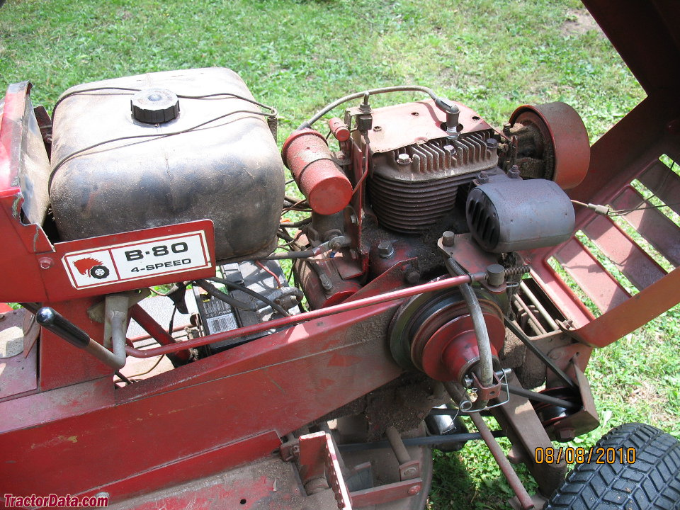 Wheel Horse Tractor Engines : Tractordata wheel horse b tractor photos information