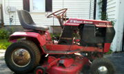 Wheel Horse 216-5 lawn tractor photo