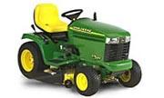 John Deere GT225 lawn tractor photo