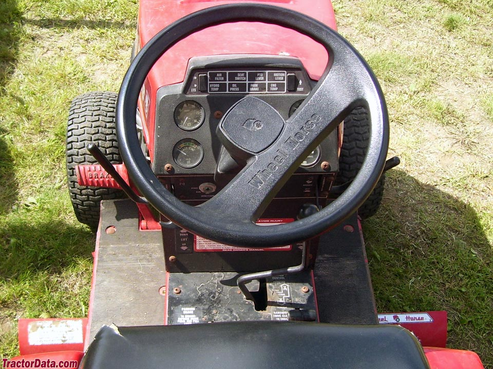 Wheel Horse 520-H operator station and controls.