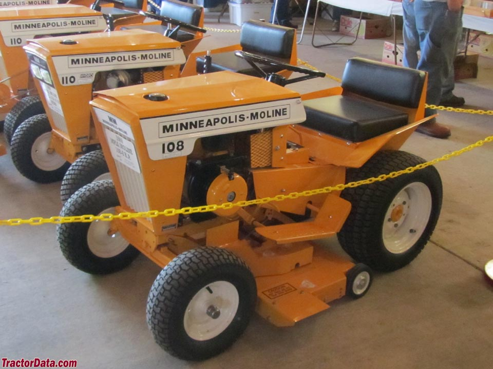 ... .com Minneapolis-Moline Town & Country 108 tractor photos information