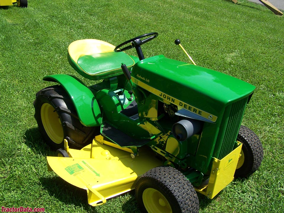 1967 (round-fender) John Deere model 112 with hydraulic lift.