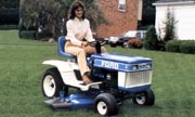 Ford YT-16 lawn tractor photo