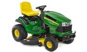 John Deere LA135 lawn tractor photo