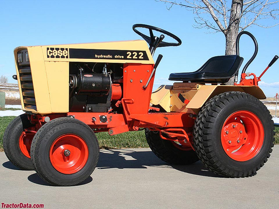 1973 J.I. Case model 222 garden tractor with hydraulic lift