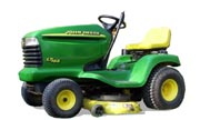 John Deere LT166 lawn tractor photo