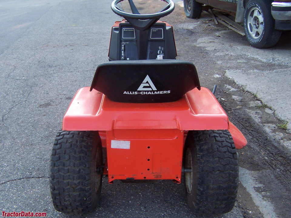 Rear view of the Allis-Chalmers 608LTD.