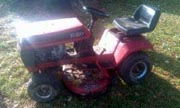 Wheel Horse 212-5 lawn tractor photo
