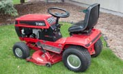 Wheel Horse 216-H lawn tractor photo