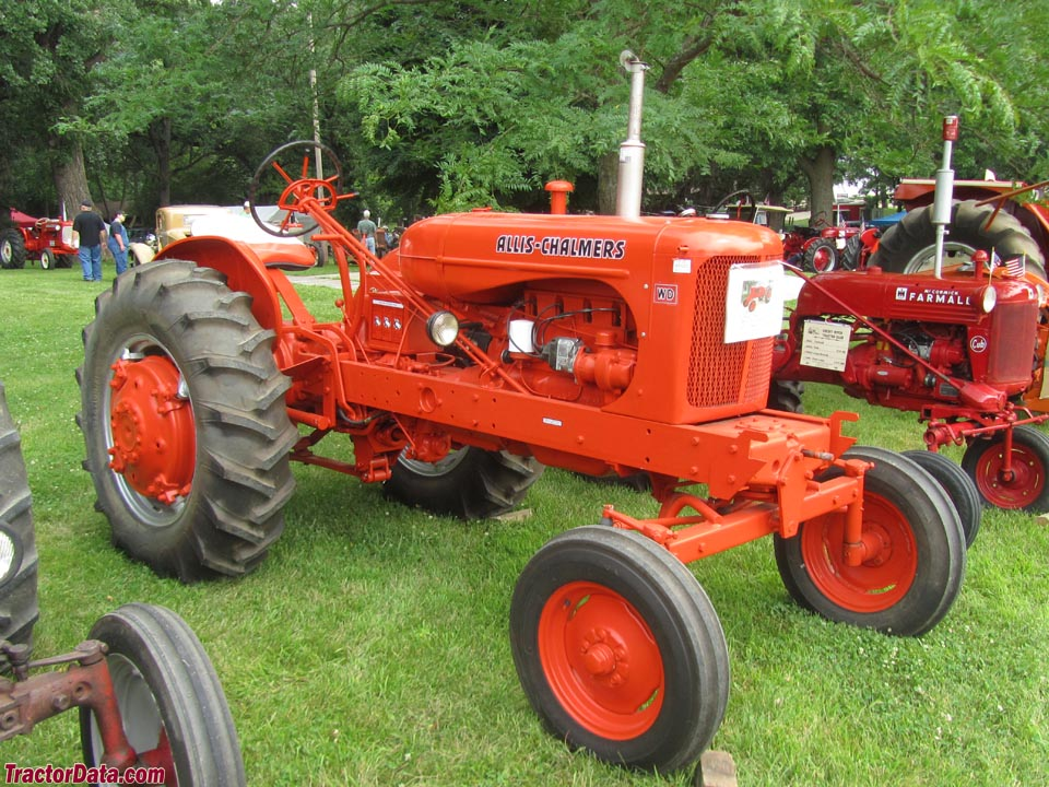 Allis-Chalmers WD with wide front end