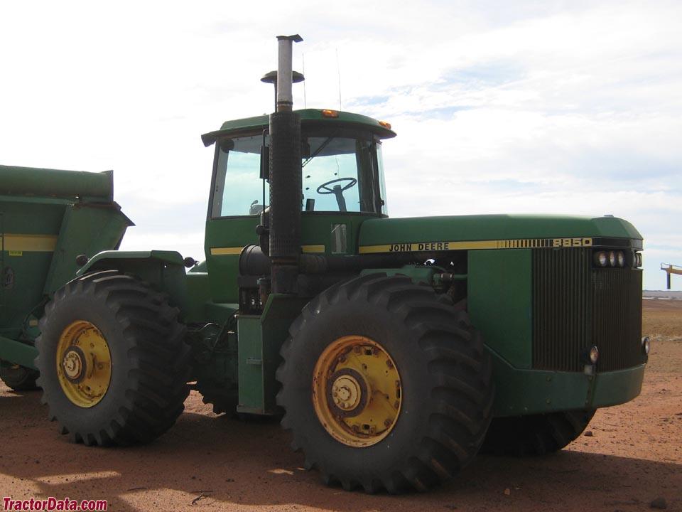 John Deere 8850 in Western Australia.