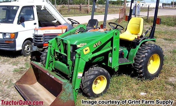 John Deere 4100 with loader