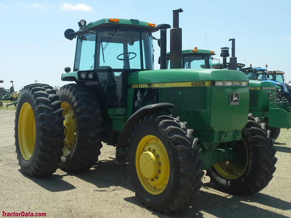 John Deere 4555 with four-wheel drive.