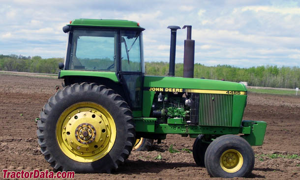 Two-wheel drive Deere 4455