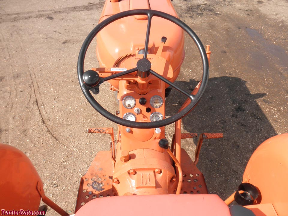 Allis-Chalmers D14 operator station and controls.