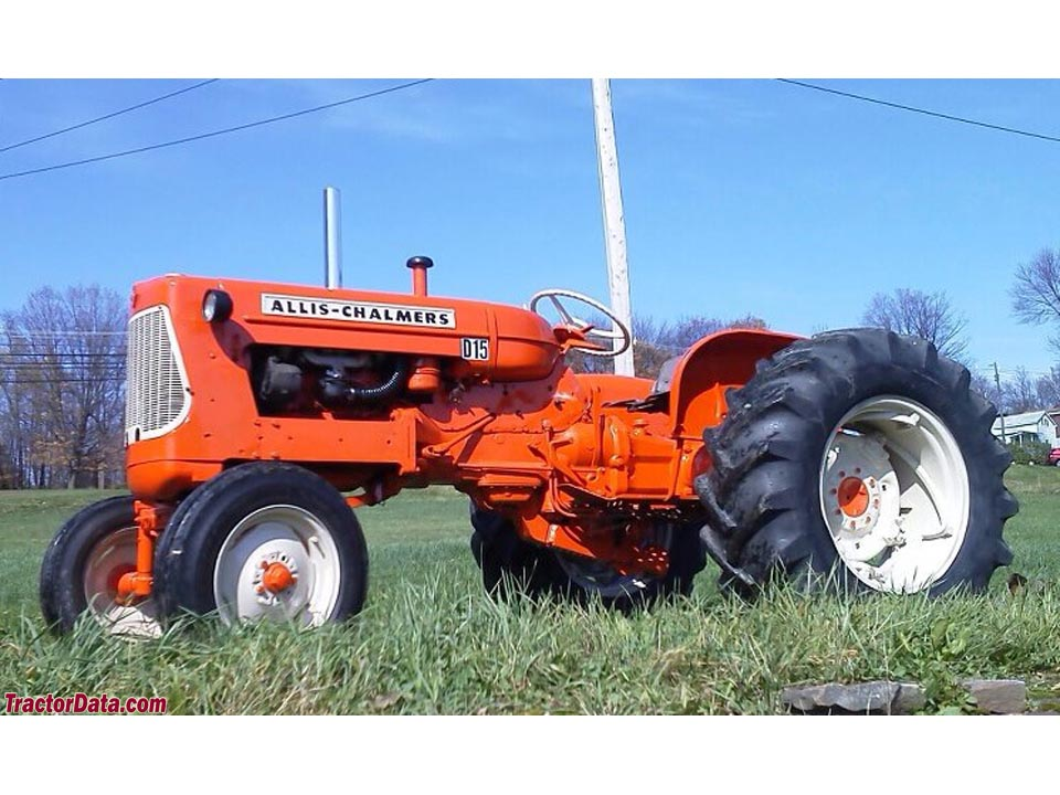 Allis-Chalmers D15, right side.