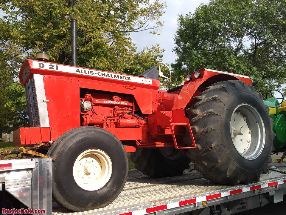 Allis Chalmers D21 : Tractordata allis chalmers d series i tractor photos
