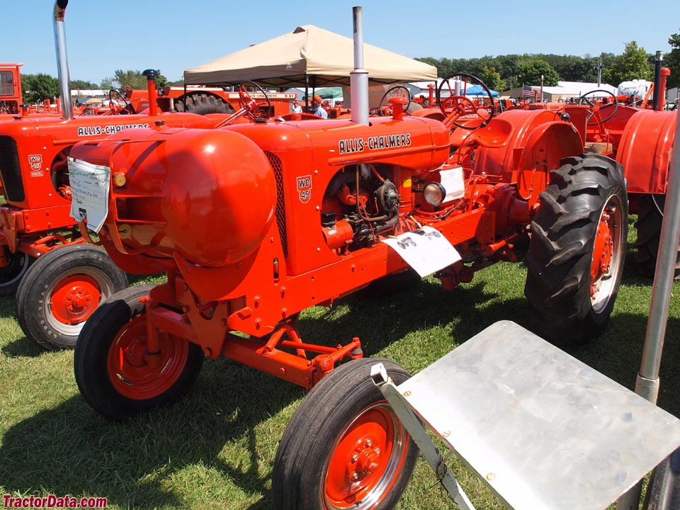 Allis-Chalmers WD45 with dual-fuel LP-gas.