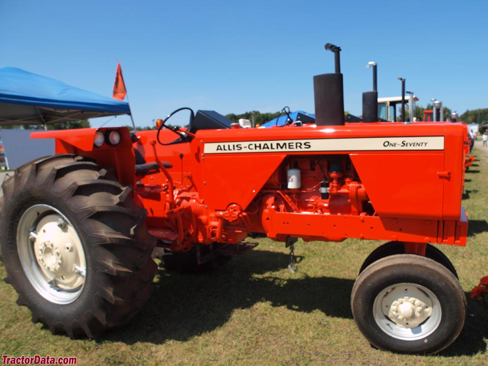Allis-Chalmers 170 with tricycle front end.