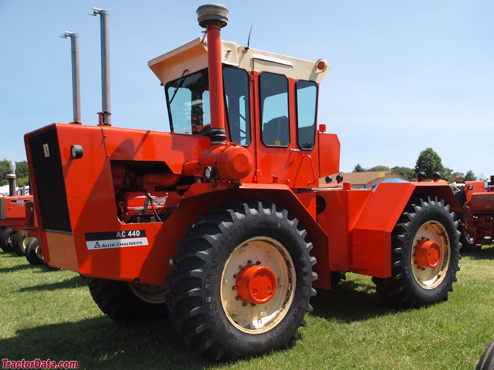 Four Engine Tractor : Engine tractor transmission free image for