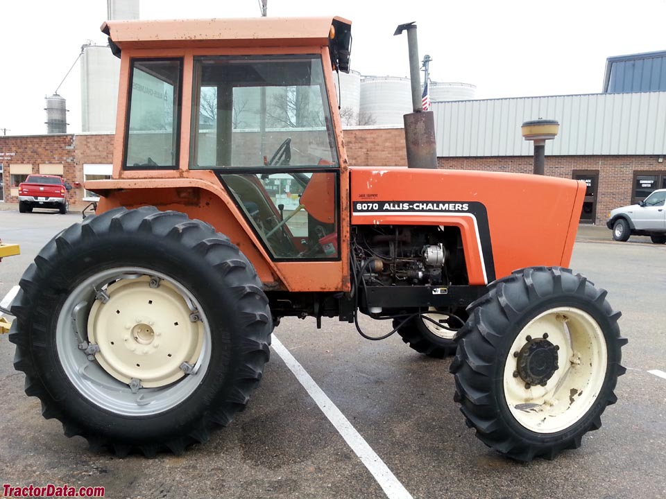 Allis-Chalmers 6070, right side.