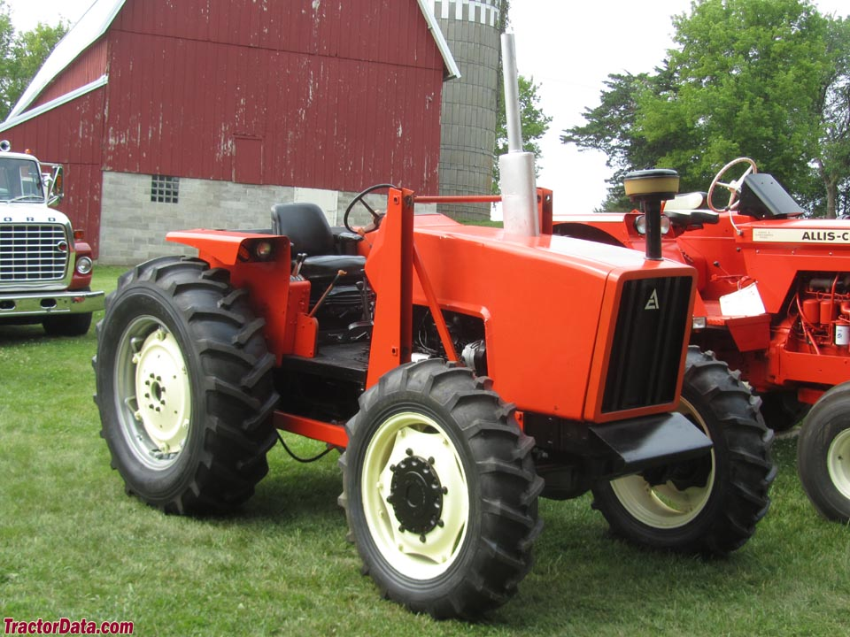 Open-station Allis-Chalmers 6080 with four-wheel drive.