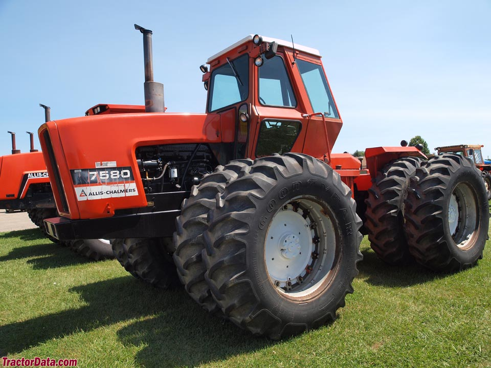 Allis-Chalmers 7580, left side.