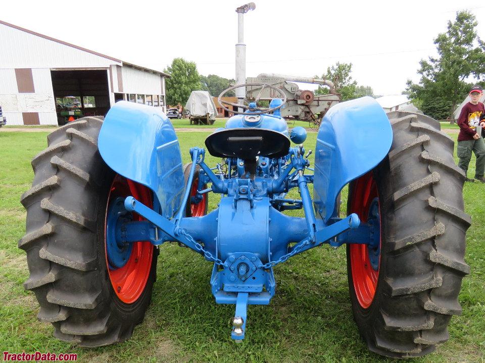 1961 Fordson Dexta Tractor : Tractordata fordson dexta tractor photos information