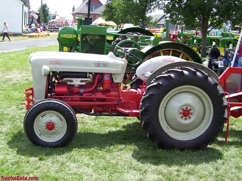Ford Tractor Jubilee Model : Tractordata ford golden jubilee naa tractor photos