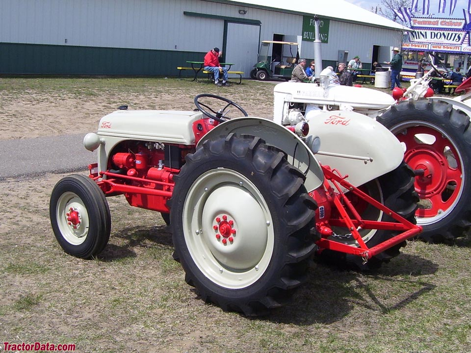 Ford 8n Tractor Dimensions : Tractordata ford n tractor photos information