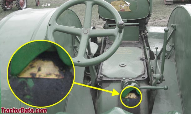 John Deere Unstyled D serial number location