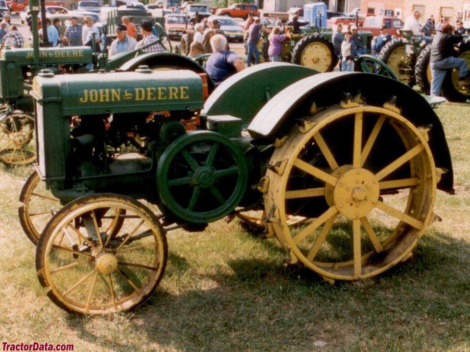 Deere Tractors On Steel Wheels : Tractordata john deere unstyled d tractor photos