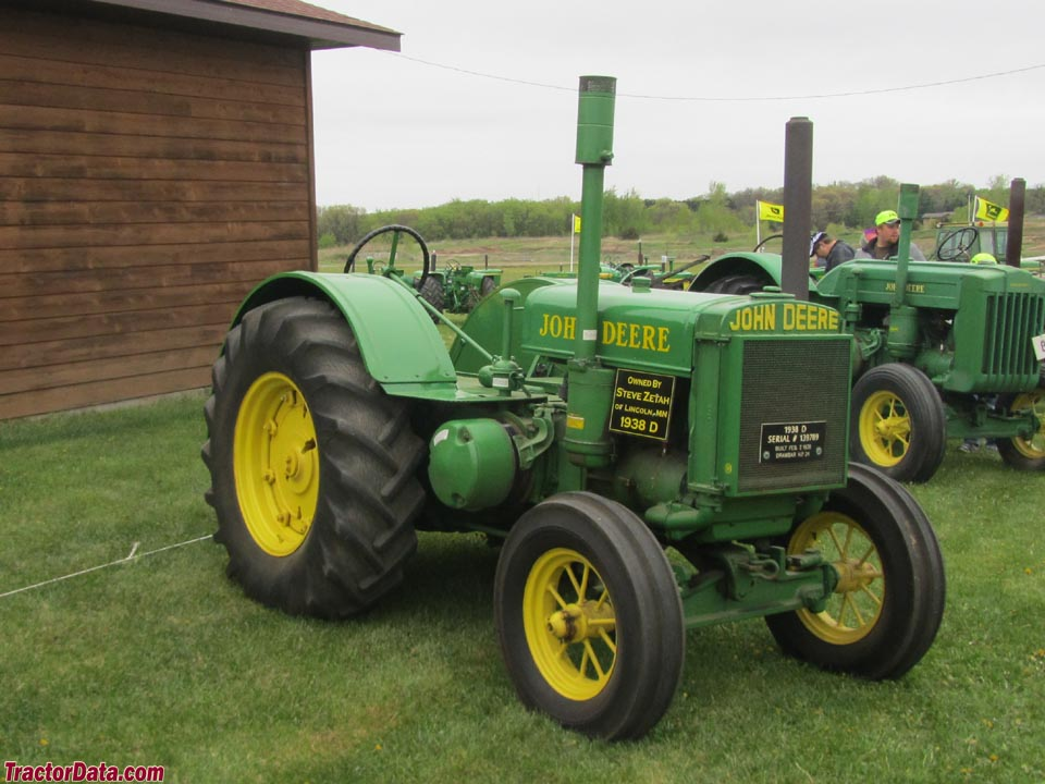 1938 John Deere model D on rubber tires.