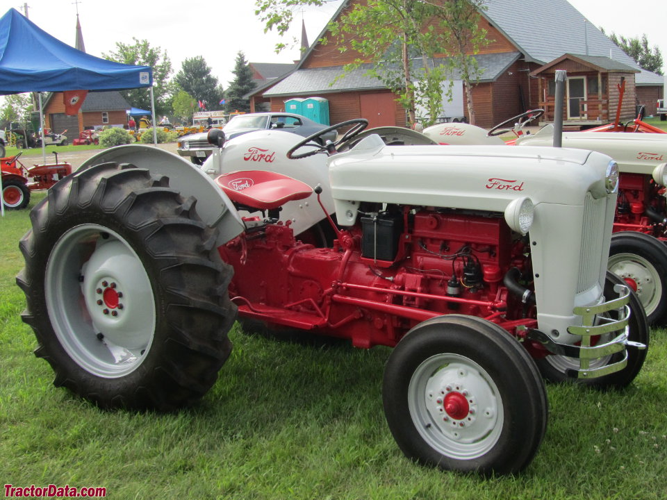 Ford Tractor Model Numbers : Ford tractor transmission serial number autos post