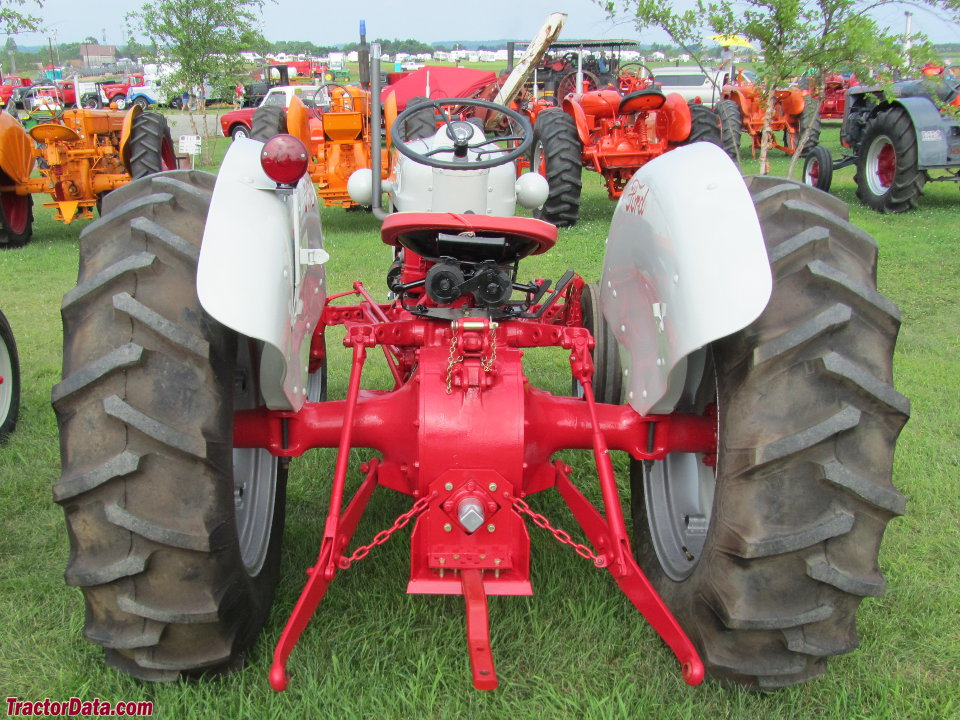 Ford Tractor 800 Series Specifications : Tractordata ford tractor photos information