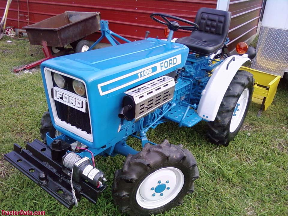 Ford 1100 Diesel Tractor 4x4