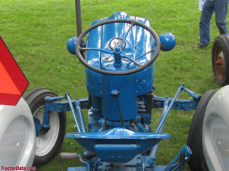 Ford 4000 Tractor Controls : Tractordata ford tractor photos information