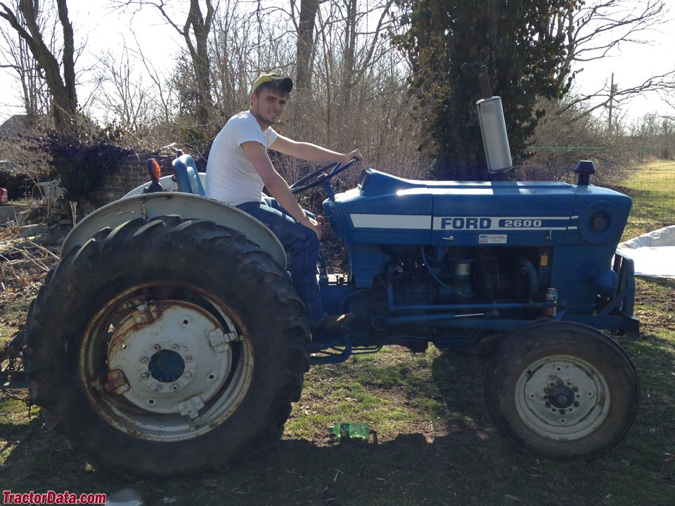 2600 Ford Tractor Specifications : Ford tractor specs
