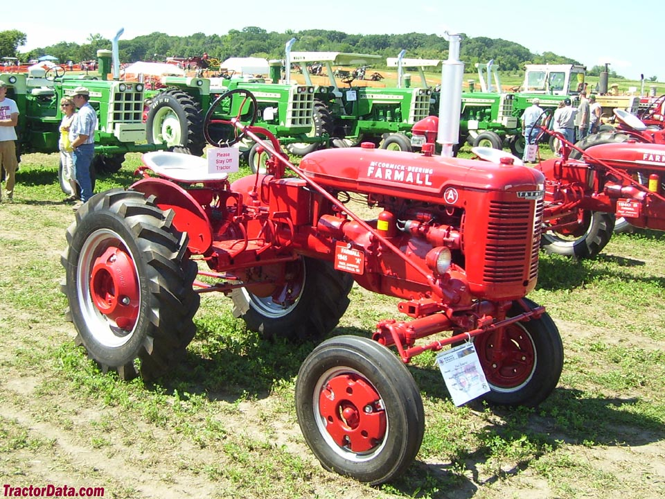 Front-right view of the Farmall A