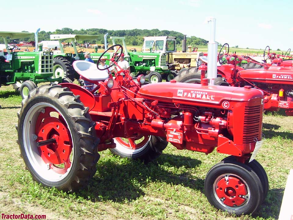 Farmall C, right side.