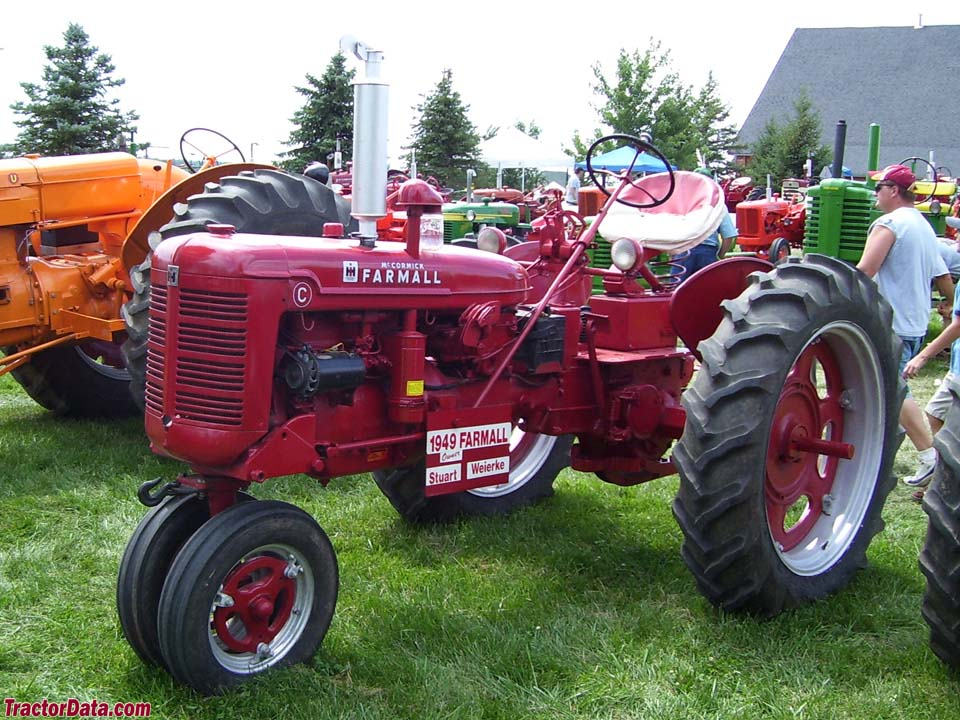 Farmall C, left side.