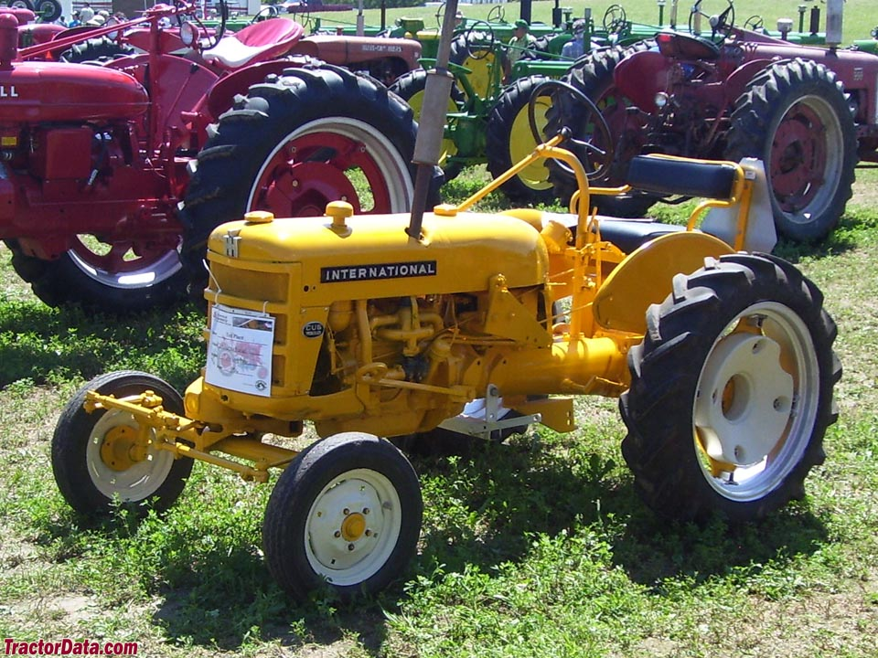 International Harvester Cub Tractor : Tractordata international harvester cub lo boy tractor
